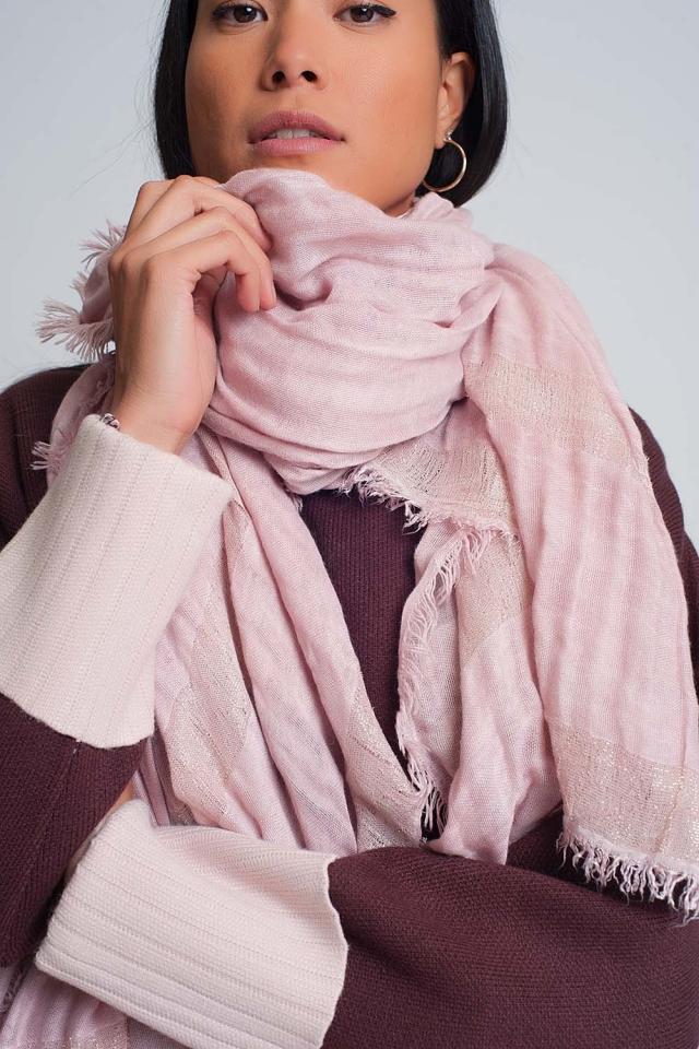 Écharpe légère rose à rayures dorées