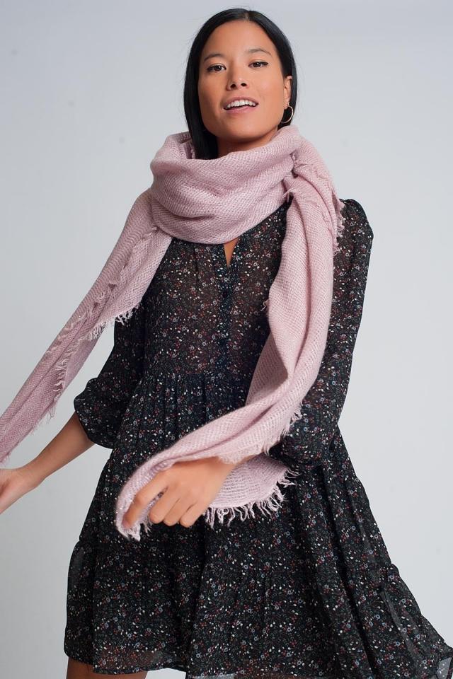 Écharpe tricotée légère en rose