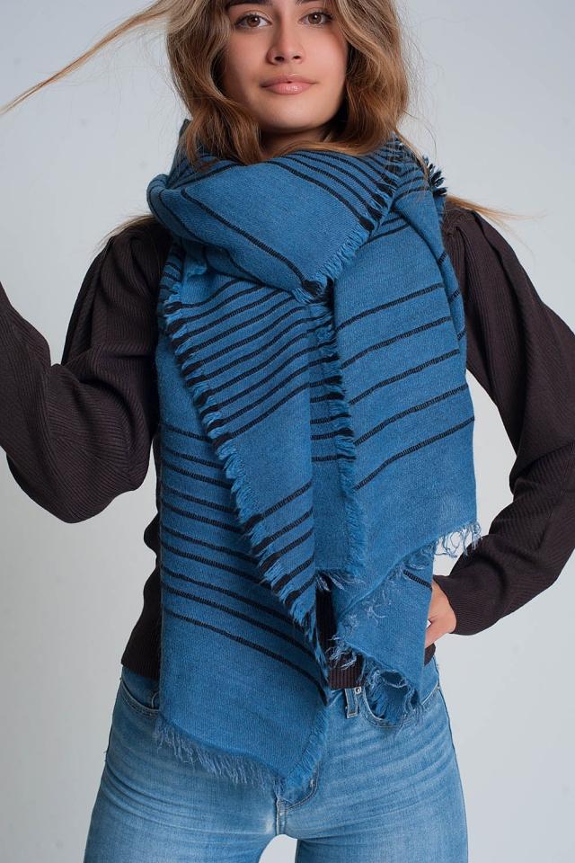 Foulard bleu à rayures noires