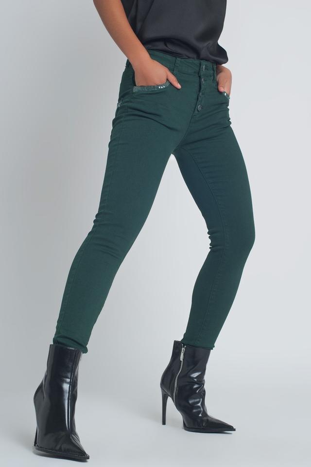 Pantalon boyfriend vert avec le détail de poche de sequin