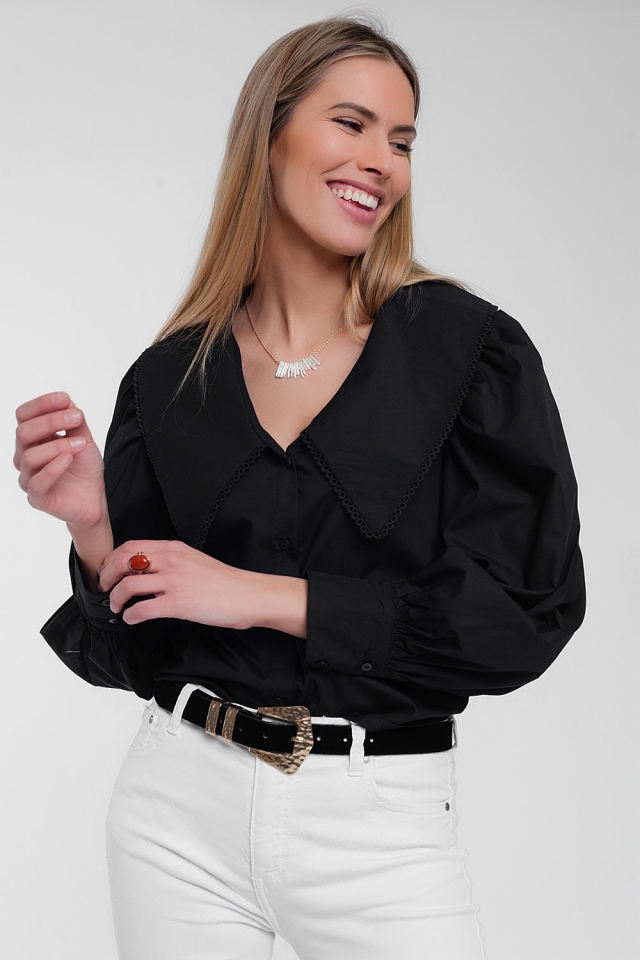 Chemise noire à col extra large