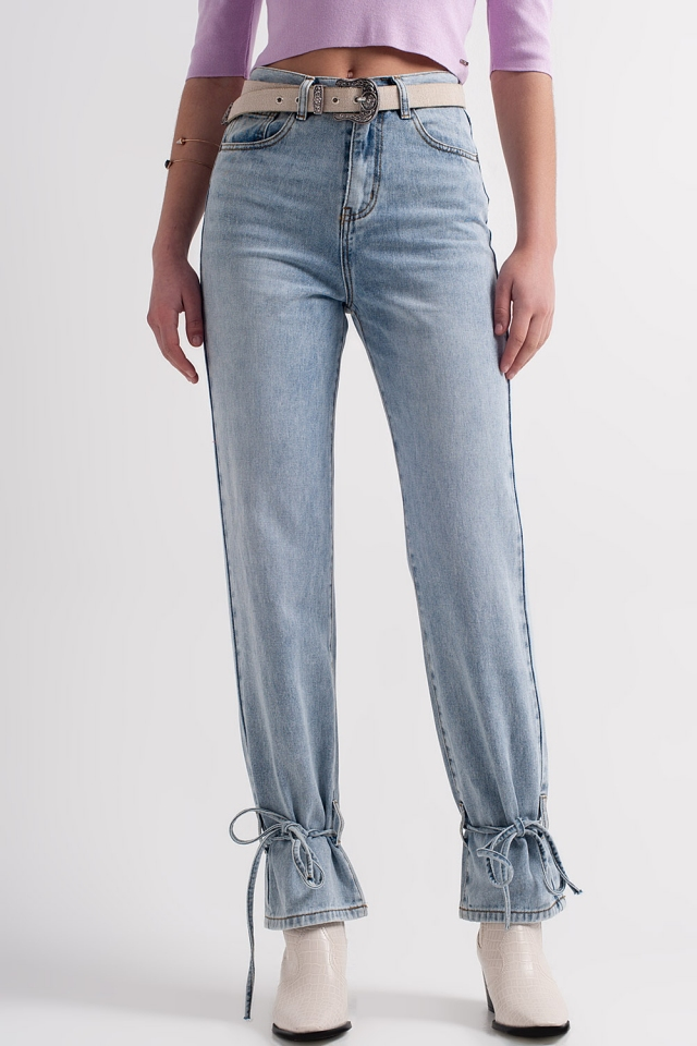 Jeans avec liens à nouer à la cheville