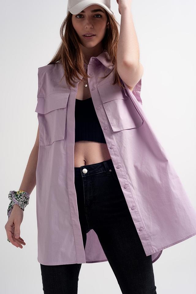 Chemise violette sans manches avec épaulettes et poches utilitaires