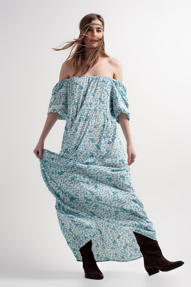 Robe longue froncée à fleurs avec épaules tombantes turquoise