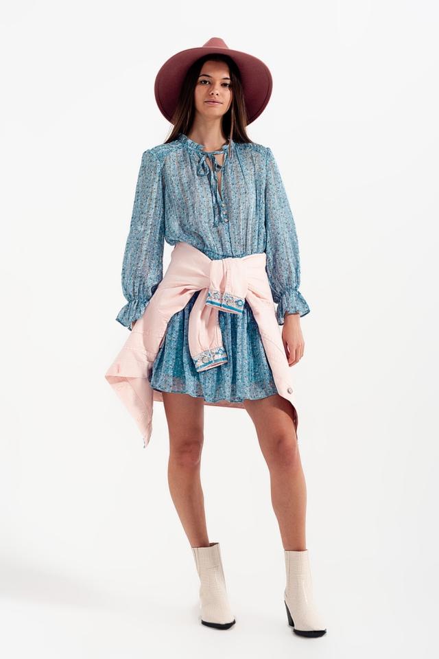 Robe courte avec jupe froncée et fente goutte d'eau turquoise