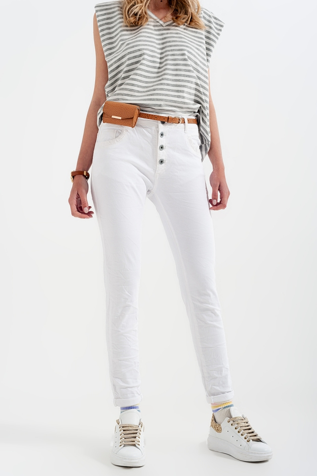 Pantalon boyfriend blanc avec le détail de poche de sequin