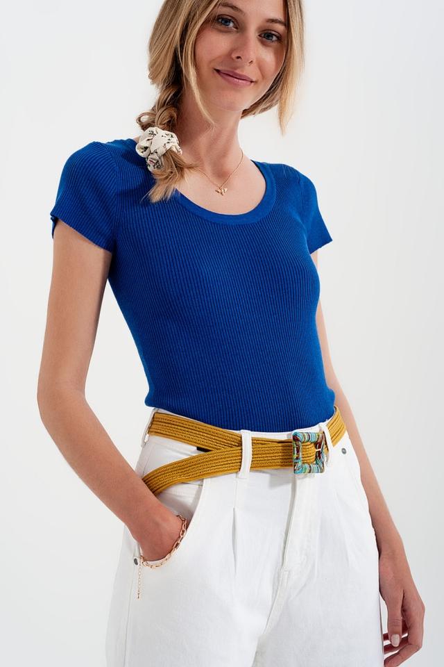 T-shirt ras de cou moulant en maille côtelée bleu