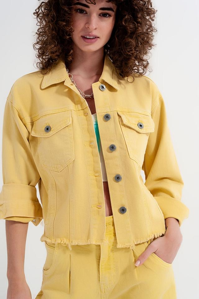 Veste en jean jaune à bords bruts