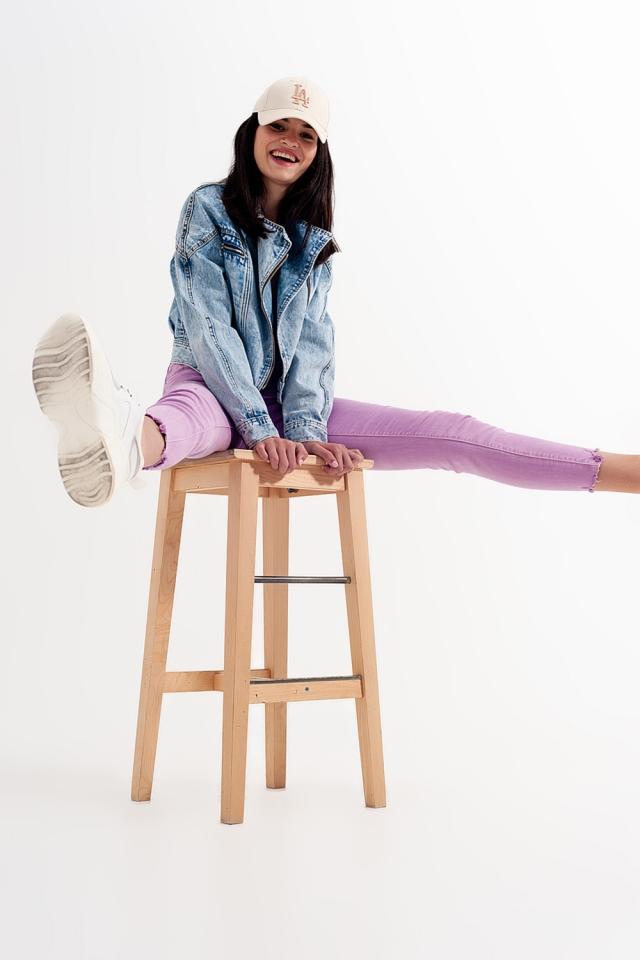 Jean skinny effet vieilli à ourlet brut lilas