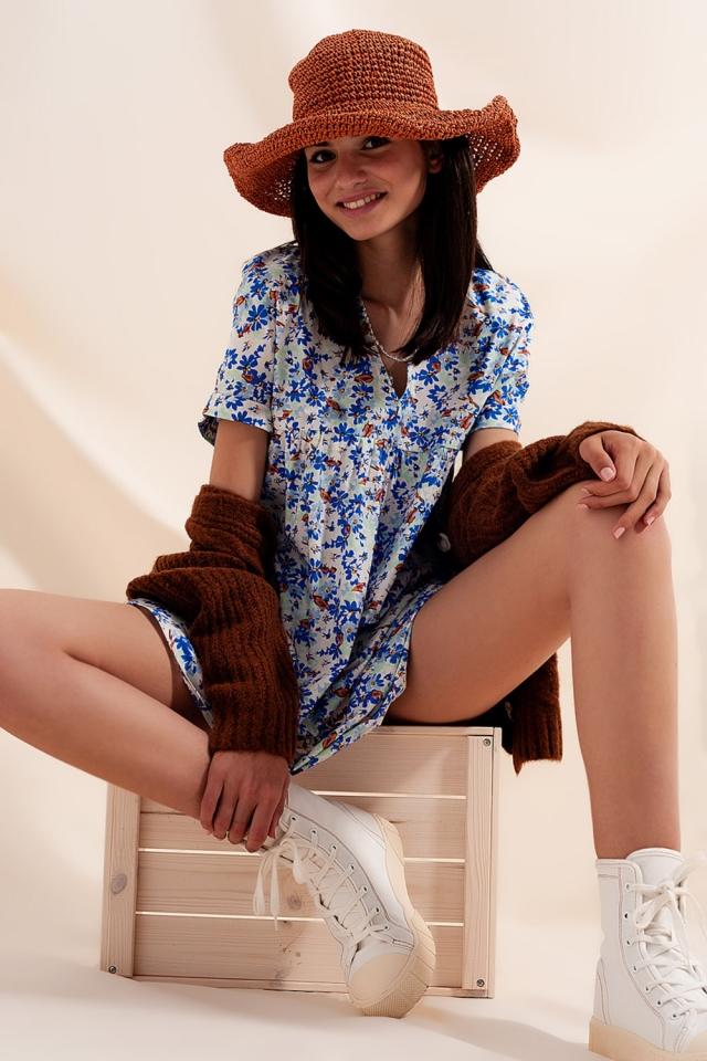 Robe babydoll courte en coton bleues fleuri