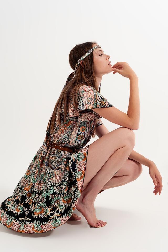 Robe cache-cœur en satin floral Noi