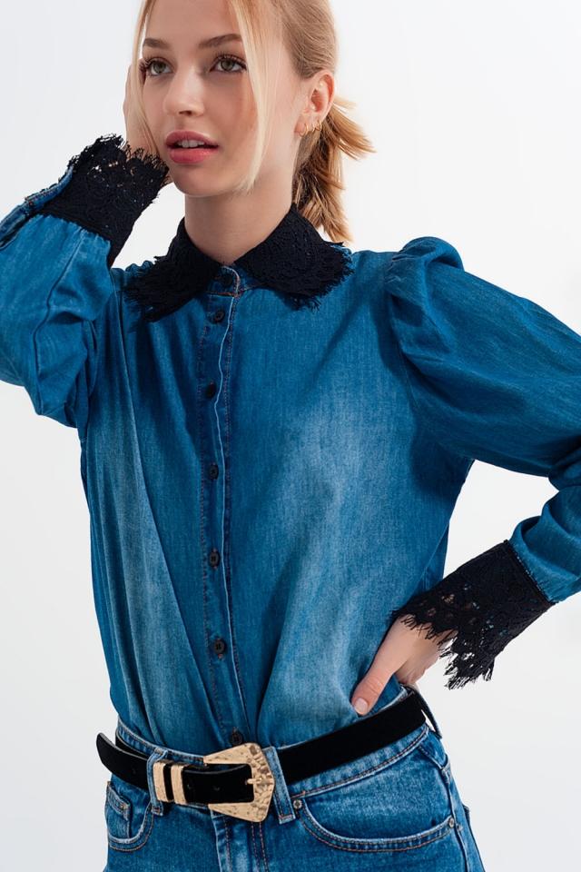 Chemise en denim bleu avec manches bouffantes et détails en dentelle